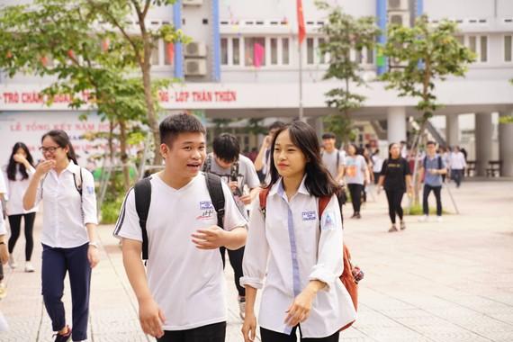 Đến hết buổi sáng 26-6, thí sinh đã hoàn tất 3 môn thi