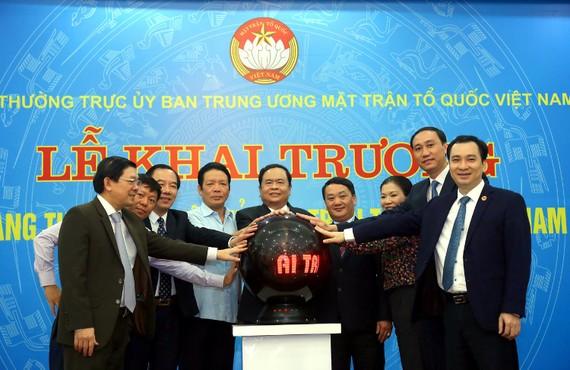 Ban Thường trực UBTƯ MTTQ Việt Nam bấm nút khai trương Trang Thông tin điện tử MTTQ Việt Nam  