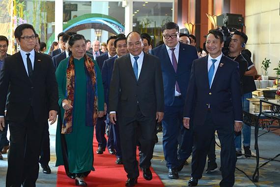 Thủ tướng Nguyễn Xuân Phúc tham dự hội nghị