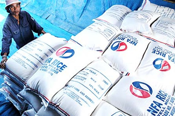 Vietnamese rice is exported to many countries in the world; so it needs a logo (Photo: SGGP)