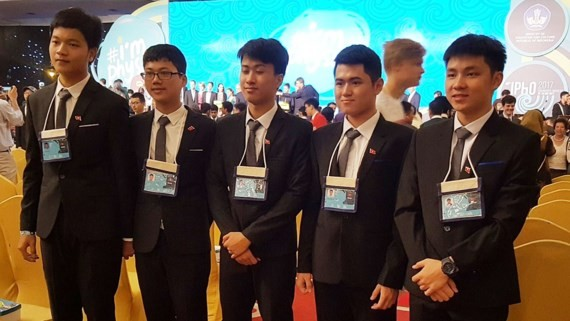 The winning students at the International Physics Olympiad (Photo: SGGP)