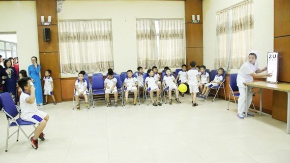 One third students in urban near-sighted: eye hospital's study