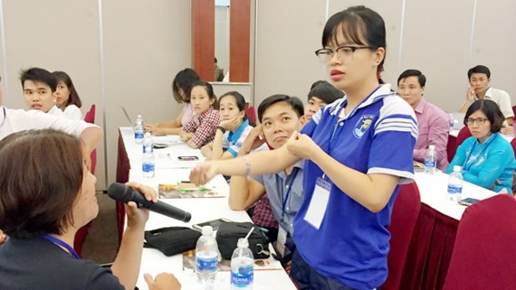 student Le Minh Tu shares what difficulties she has faced (Photo: SGGP)