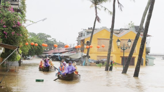 Hoi An ancient town is submerged (Photo:SGGP)