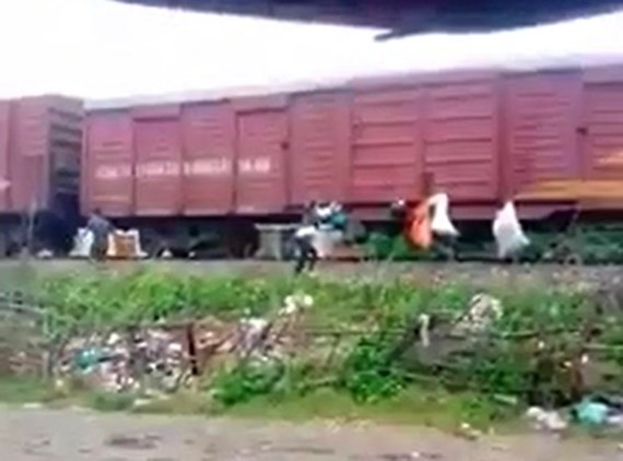 VIDEO:One receives fine of $132 for sending garbage to HCMC on train