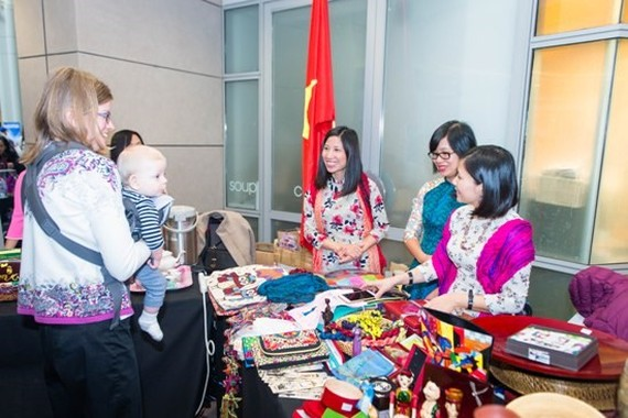 Vietnamese fine art on display at the event.(Photo: VNA)