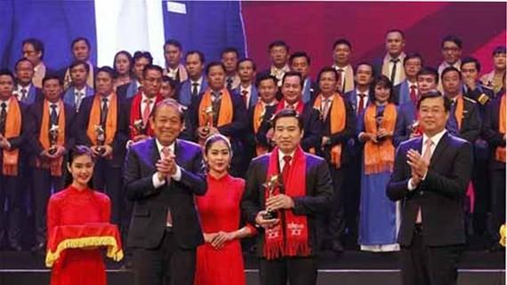 Ten outstanding businesspersons win Sao Do awards