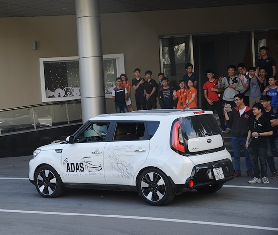 A self-driving car for experiencing in the event of Open Camp