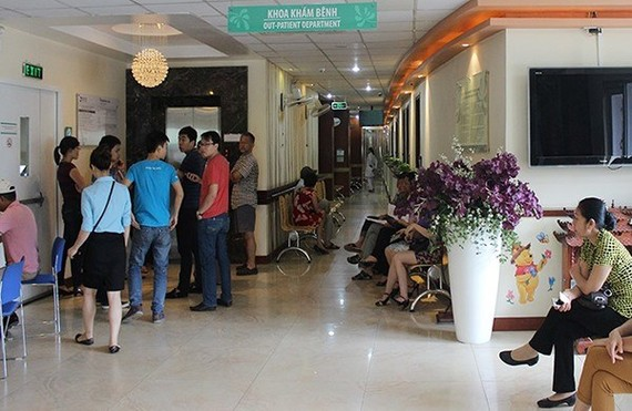 The Ministry of Health has issued a set of criteria to classify the quality of private hospitals and healthcare clinics across the country (Photo: cand.vn)