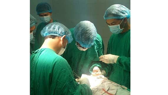 Hospital in Binh Phuoc province performs hip replacement