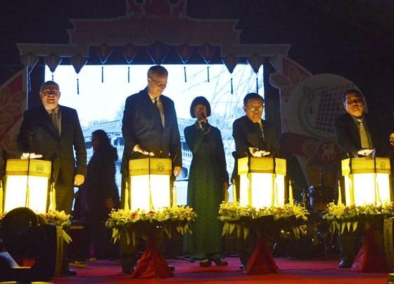 Solar-power system for public lighting in Hoi An