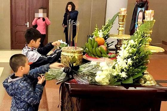 Hai An's classmates attend the funeral (photo: SGGP)