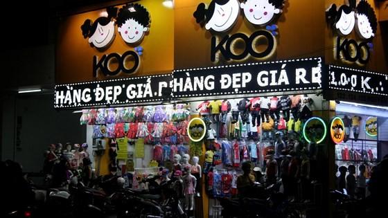 One shop in fashion Nguyen Trai street (Photo: SGGP)