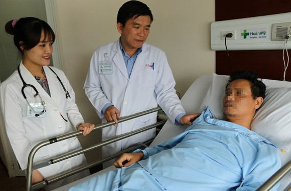 Half of man's lung cut due to fishbone bedding