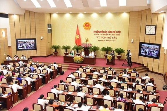 At the  sixth session of the 15th Hanoi People's Council on July 5 (photo: SGGP)