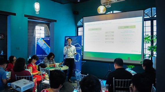 The seminar 'Cloud Computing – Foundation for Industrial Revolution 4.0'