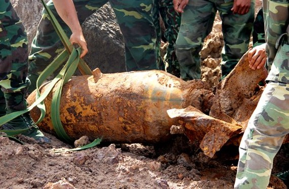 Big bomb unearthed in southwestern Tay Ninh province