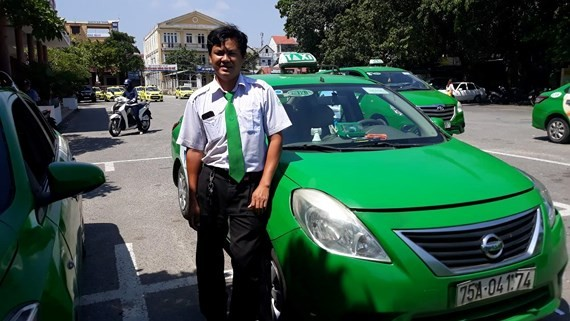 Cab driver helps woman deliver baby in cab en route to hospital