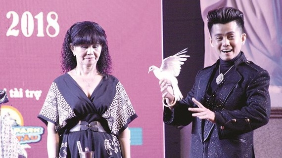 HCMC holds third National  Magic Festival