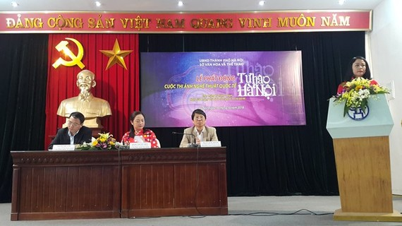 The event to launch the international photo contest 'Proud of Hanoi' on October 18 (Photo: VNA)