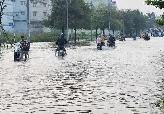 Meteorologists warns comeback of high tide in HCMC