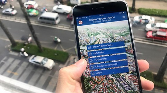The application 'Planning Information on HCMC' is a typical example of building a common database of the city. Photo by Gia Quang