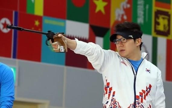 Four-time Olympic shooting champion Jin Jong-oh (Photo: heraldm.com)
