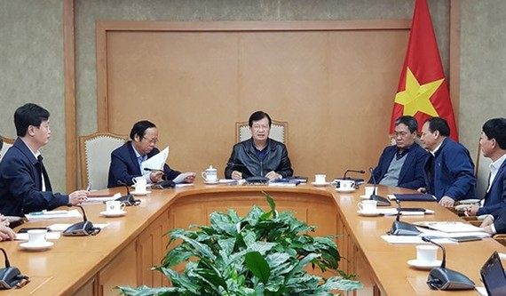 At the meeting (Deputy Prime Minister Trinh Dinh Dung emphasized the need to speed up the North-South expressway project's which plays an important role in developing the country's socio-economy growth at a yesterday meeting with relevant agencies on revi
