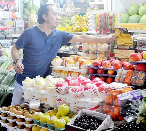 Face-off between local fruits vs imported