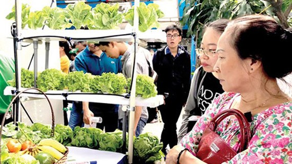 Produce, especially organic vegetables, is in critical need of possessing a GI. (Photo by Tan Ba)