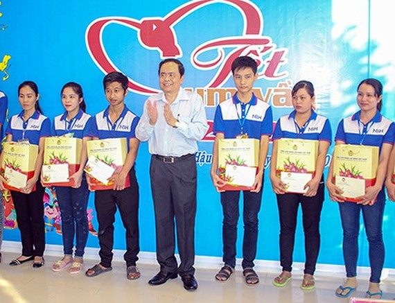 Fatherland Front takes care of Mekong delta residents