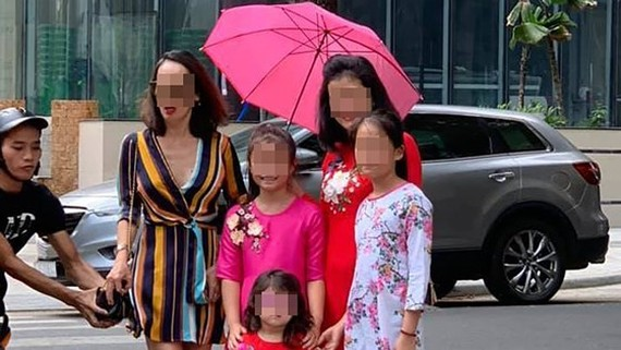HCMC police arrest bag snatcher caught in photo with victim