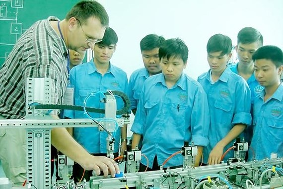 Foreign-invested vocational schools must have capital of $4.3 billion