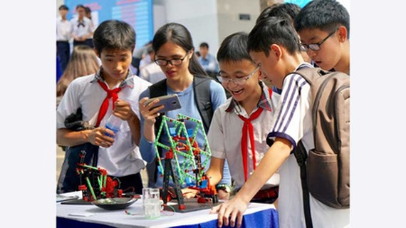 Scientific research promotion suggested in high schools