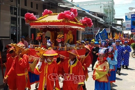 Thousands of people flock to Ca Mau for Nghinh Ong festival