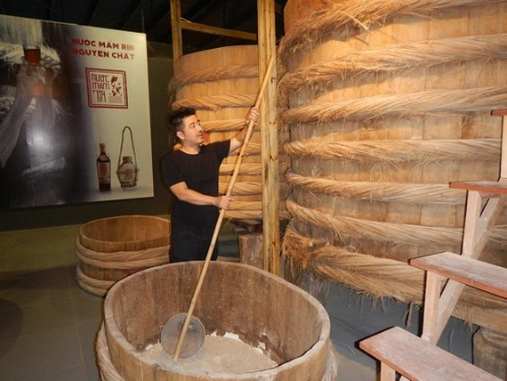 A fish sauce vat in the museum (Photo: SGGP)