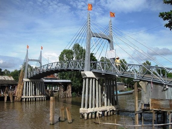 One of the bridge in Mekong delta  built from social contribution (Photo: SGGP)