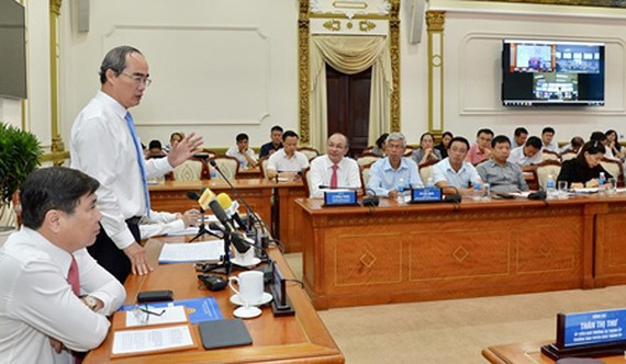 HCMC Party Chief Nguyen Thien Nhan delivered his speech at the meeting. Photo by Viet Dung