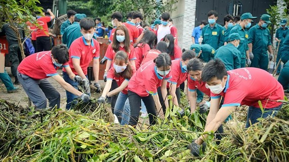 Young people in HCMC join environmental protection activities
