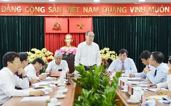 Secretary of Ho Chi Minh City Party Committee Nguyen Thien Nhan at the meeting (Photo: SGGP)