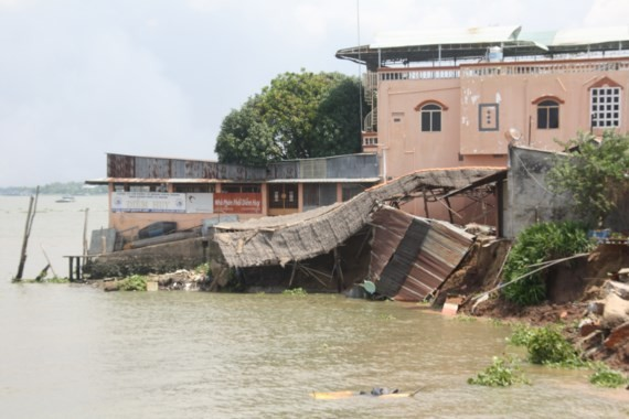 Landslides have increased in the Mekong Delta region in recent time. (Photo:SGGP)