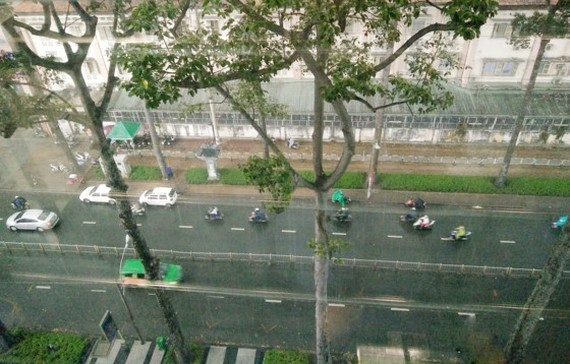 Heavy rain and thunderstorm will hit Ho CHi Minh City and southern provinces in the evening
