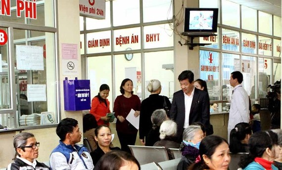 Health check ups and treatment is one of four matters of public concern (Source: VNA)