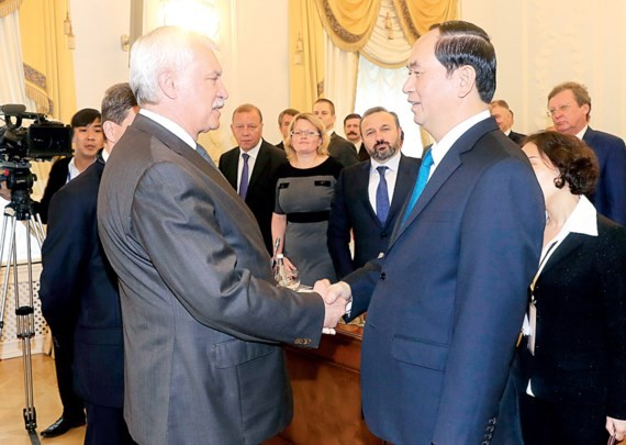 President of Vietnam Tran Dai Quang meets Governor of Saint Petersburg city Georgy Poltavchenko