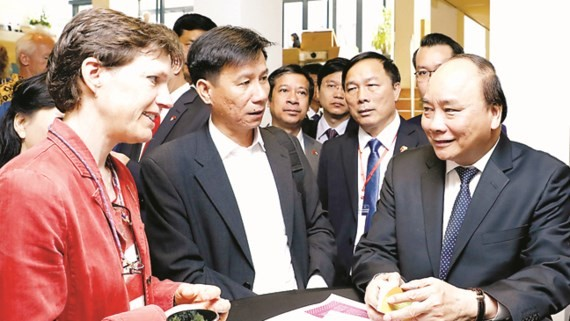 Vietnamese Prime Minister Nguyen Xuan Phuc visits Wageningen University in the Kingdom of the Netherlands