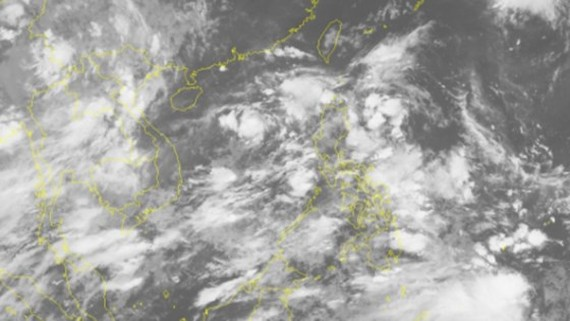 Two tropical low depressions appear in offshore Pacific Ocean