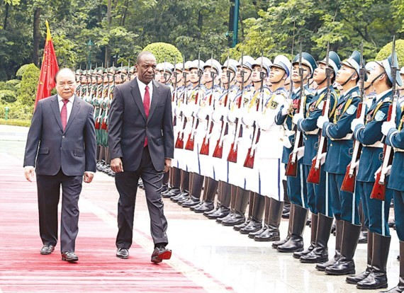 The welcoming ceremony for Mozambican Prime Minister Carlos Agostinho do Rosario
