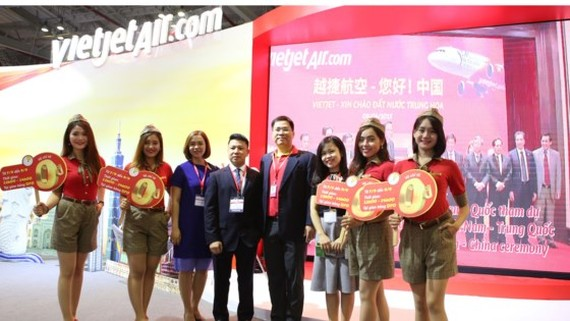 VietJetAir launches a preferential program to give 700,000 tickets with its price starting at zero dong at ITE HCMC 2017