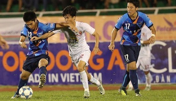Hoang Anh Gia Lai vs Yokohama in the semi-final match of the Thanh Nien Newspaper International U21 Football Tournament last year. (Photo: bongdaplus.vn)