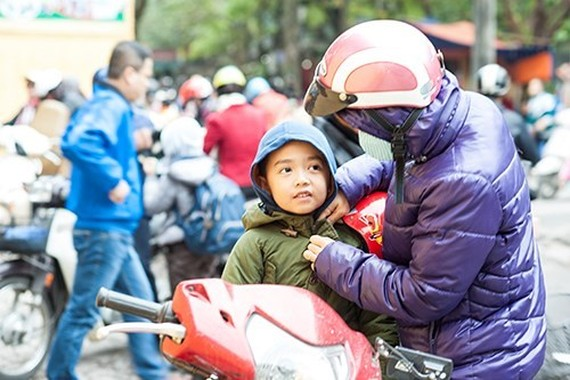 Cold weather covers Ho Chi Minh City and the southeastern provinces